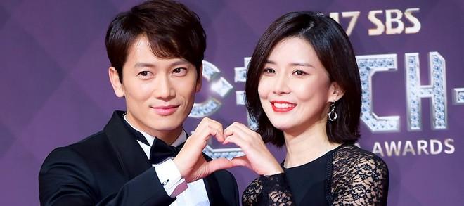 Muôn kiểu phim giả tình thật trên màn ảnh Hàn, kẻ mặt dày cầm cưa, người tranh thủ cưới lẹ - Ảnh 11.