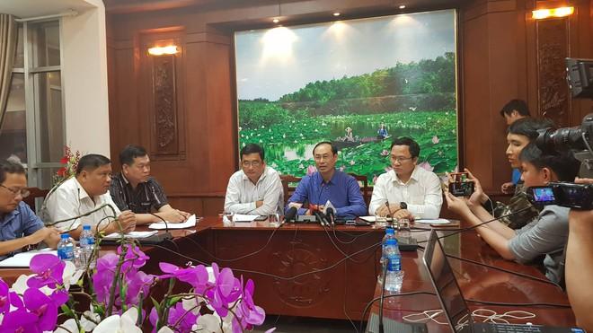 Sẽ khởi tố vụ tai nạn thảm khốc khiến ít nhất 20 người dừng đèn đỏ thương vong ở tỉnh Long An - Ảnh 1.