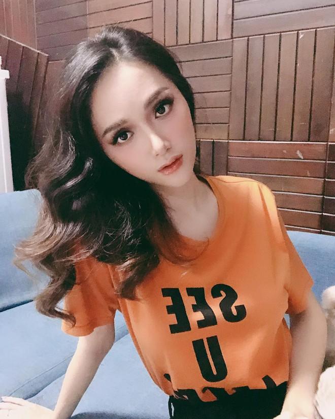 Hoa hậu Hương Giang thật giống người ngoài hành tinh trong bức ảnh mới nhất - Ảnh 2.