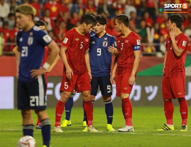 Trai đẹp Nhật Bản gắt gỏng với cậu út tuyển Việt Nam - ảnh 7