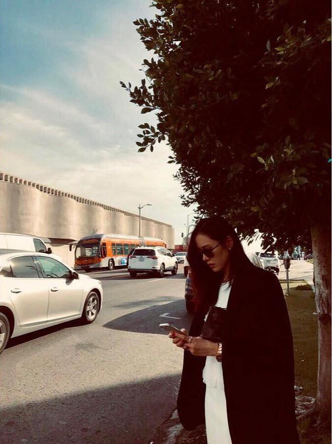 Hyun Bin đã về Hàn, Son Ye Jin còn ở lại Mỹ du lịch mà vẫn bị soi đeo đồng đôi? - ảnh 2