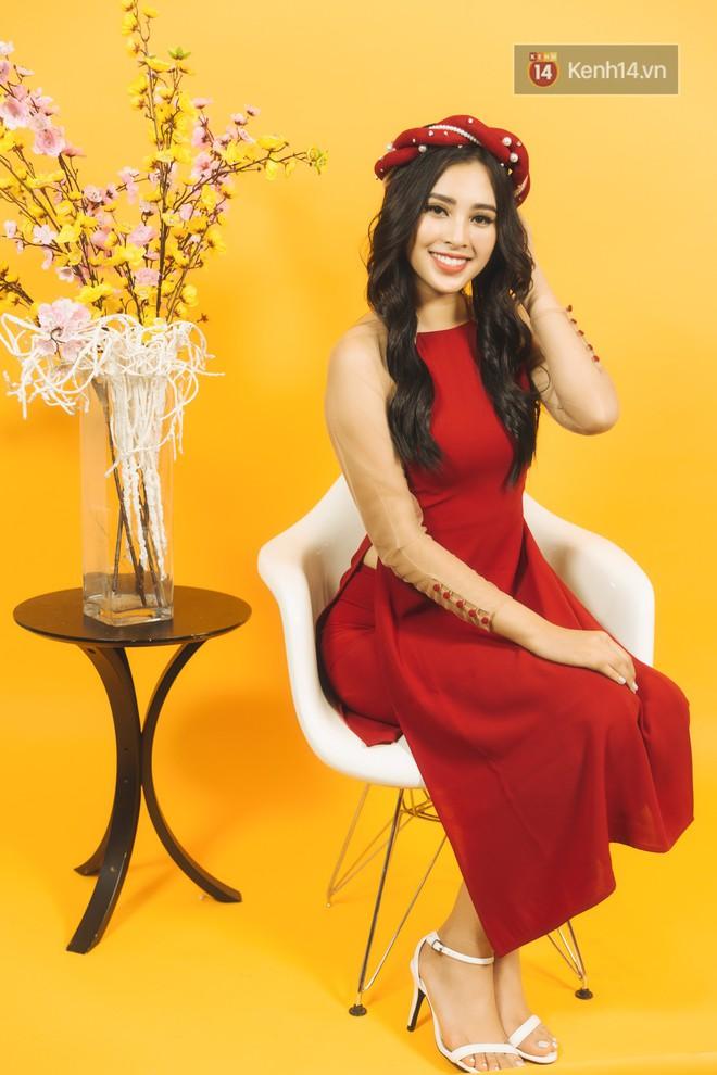 Tất tần tật về cái Tết đầu tiên là một Hoa hậu của cô nữ sinh vừa bước sang tuổi 19 Trần Tiểu Vy - Ảnh 7.