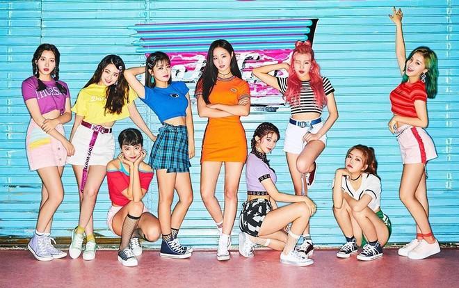 Top 20 sao Kpop có view Youtube siêu to khổng lồ nhất: BLACKPINK có MV tỉ view đến nơi vẫn thua BTS, thứ hạng PSY gây tranh cãi - Ảnh 17.