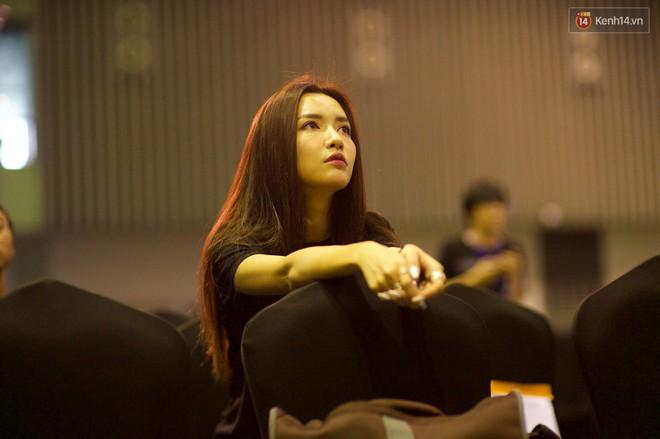 Nghệ sĩ Việt bồi hồi cảm xúc trước đêm Gala WeChoice Awards: Người háo hức từng giờ, người từng bật khóc - Ảnh 2.