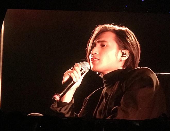 Nguyễn Trọng Tài hát hit Hongkong1 tại Gala Wechoice: Hong kòn gì để bàn cãi về sự đẹp trai bùng nổ này! - Ảnh 5.