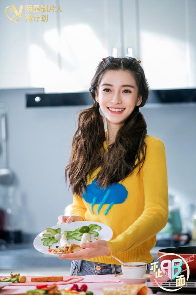 Cùng 1 chiếc áo: Angela Baby, Trương Quân Ninh trẻ ra cả chục tuổi, đến Châu Đông Vũ lại hơi khó nhận xét - Ảnh 2.