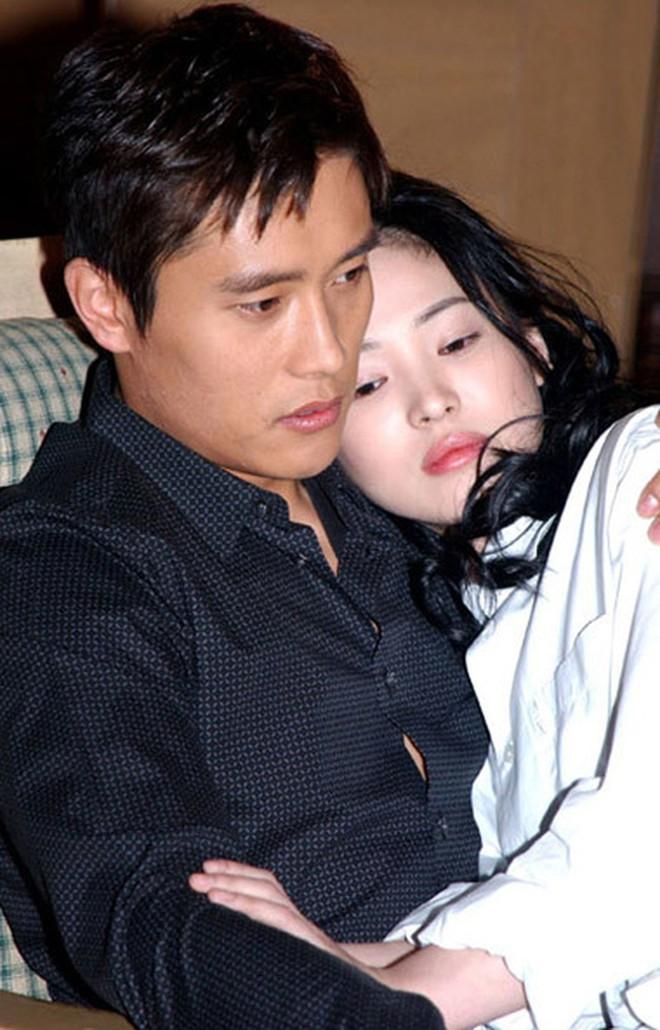 Gia tài phim ảnh hạng khủng của Song Hye Kyo: Cặp toàn trai đẹp, Ngôi Nhà Hạnh Phúc vẫn là huyền thoại không có đối thủ! - ảnh 4