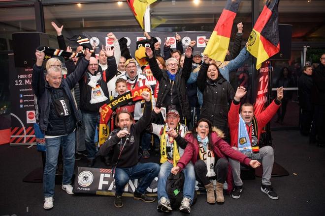 Bị tuyển Đức dẫn trước 2 bàn, các đàn em của Messi có màn đáp trả ấn tượng thế này đây - ảnh 1