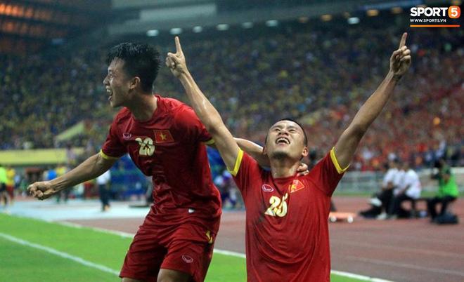 Tuyển Việt Nam đối đầu Malaysia: fan Việt từng phải đổ cả máu và rất nhiều nước mắt cho cặp đấu kịch tính hàng đầu Đông Nam Á - ảnh 5