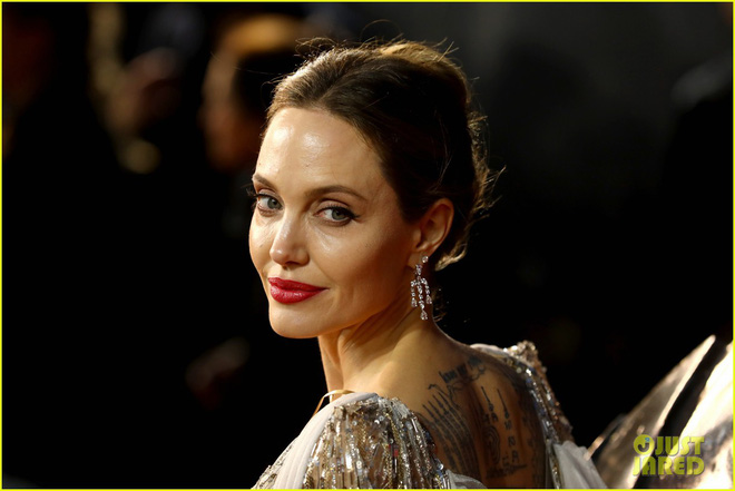 Angelina Jolie lại khiến MXH dậy sóng: Lộng lẫy như bà hoàng, bóng lưng còn lấn át cả công chúa đẹp nhất màn ảnh - ảnh 7
