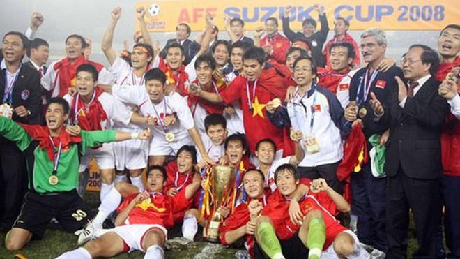Tuyển Việt Nam đối đầu Malaysia: fan Việt từng phải đổ cả máu và rất nhiều nước mắt cho cặp đấu kịch tính hàng đầu Đông Nam Á - ảnh 2