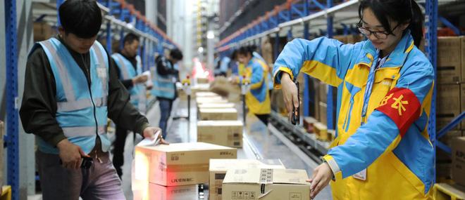 Tâm sự của các shipper về mặt trái của ngành công nghiệp thời trang điện tử: Liều mạng mỗi ngày, đi nhiều mà lương chẳng được bao nhiêu - ảnh 5