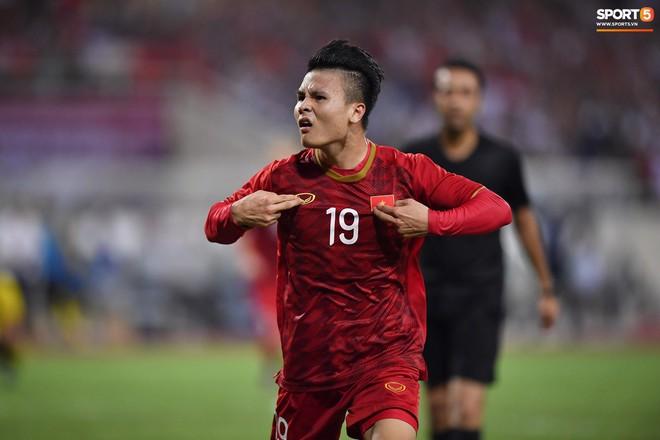 Chiêm ngưỡng siêu phẩm ngả bàn đèn khó tin của Quang Hải trong trận đấu Việt Nam vs Malaysia - ảnh 6