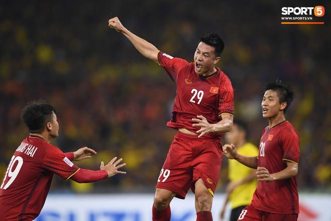 Tuyển Việt Nam đối đầu Malaysia: fan Việt từng phải đổ cả máu và rất nhiều nước mắt cho cặp đấu kịch tính hàng đầu Đông Nam Á - ảnh 7