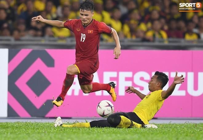 Tuyển Việt Nam đối đầu Malaysia: fan Việt từng phải đổ cả máu và rất nhiều nước mắt cho cặp đấu kịch tính hàng đầu Đông Nam Á - ảnh 9