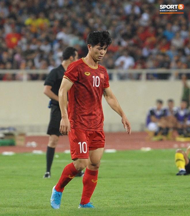 Công Phượng chiếm spotlight với body cực phẩm khi cùng tuyển Việt Nam ngâm bồn đá phục hồi sau trận thắng Malaysia - ảnh 3