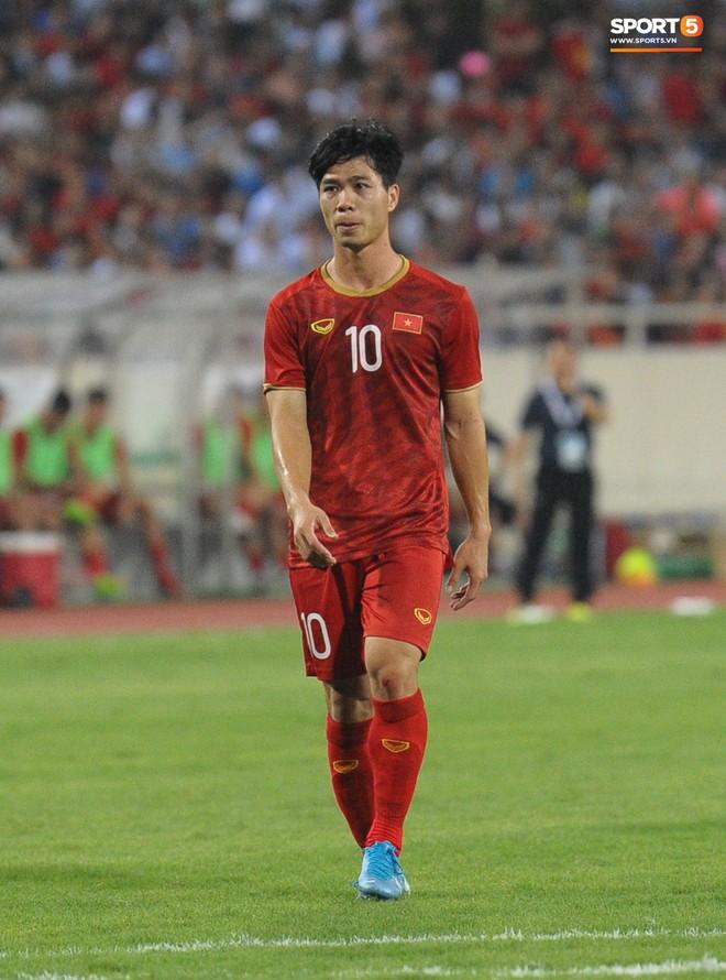 Công Phượng chiếm spotlight với body cực phẩm khi cùng tuyển Việt Nam ngâm bồn đá phục hồi sau trận thắng Malaysia - ảnh 4