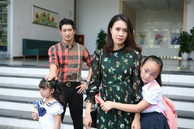 Diễn viên nhí xinh xắn trong Hoa hồng trên ngực trái: Mới 10 tuổi đã góp mặt trong nhiều phim đình đám! - ảnh 1