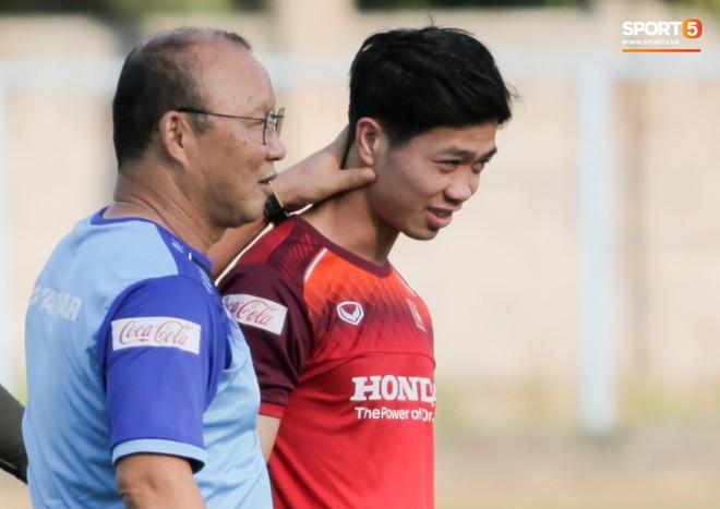 Công Phượng chủ động gặp HLV Park Hang-seo, được thầy hướng dẫn lại cách tấn công sau khi bị chê - ảnh 4