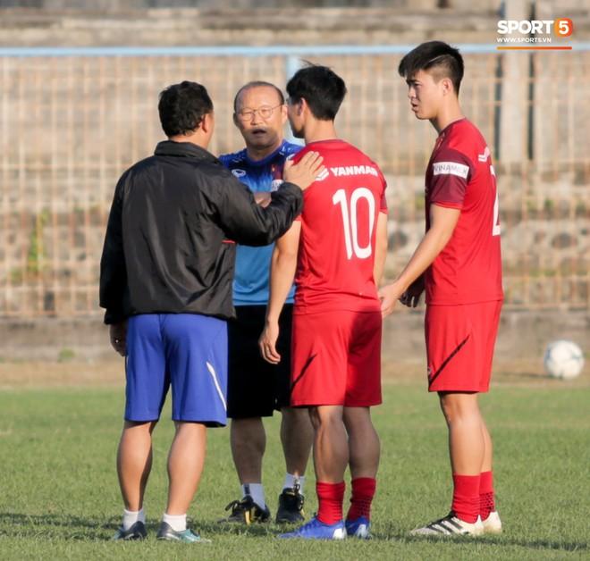 Công Phượng chủ động gặp HLV Park Hang-seo, được thầy hướng dẫn lại cách tấn công sau khi bị chê - ảnh 6