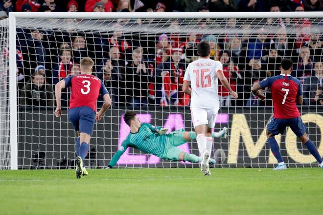 Bàn thua nghiệt ngã khiến tuyển Tây Ban Nha hụt vé sớm dự Euro 2020 - ảnh 6