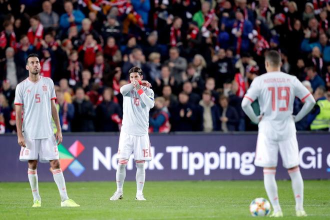 Bàn thua nghiệt ngã khiến tuyển Tây Ban Nha hụt vé sớm dự Euro 2020 - ảnh 8
