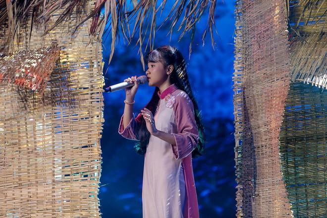 Giọng hát Việt nhí: Học trò Hương Giang chảy máu cam giữa buổi thi vẫn mang lại tiết mục xuất sắc - ảnh 6