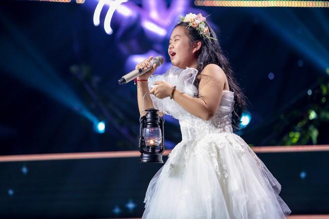 Giọng hát Việt nhí: Học trò Hương Giang chảy máu cam giữa buổi thi vẫn mang lại tiết mục xuất sắc - ảnh 5