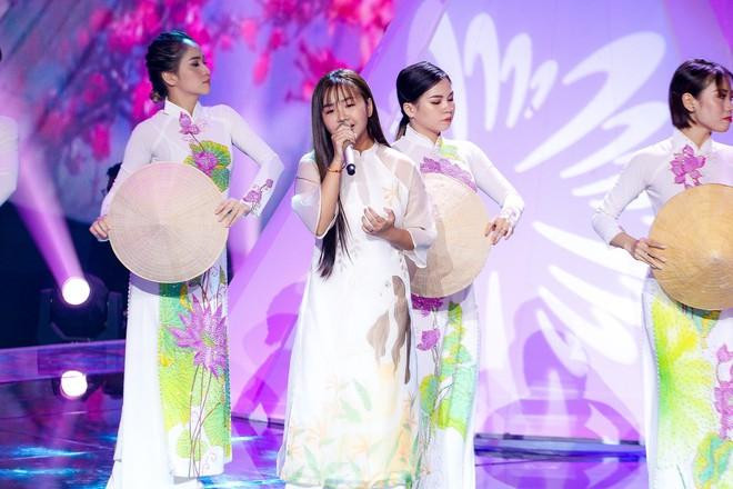 Giọng hát Việt nhí: Học trò Hương Giang chảy máu cam giữa buổi thi vẫn mang lại tiết mục xuất sắc - ảnh 10