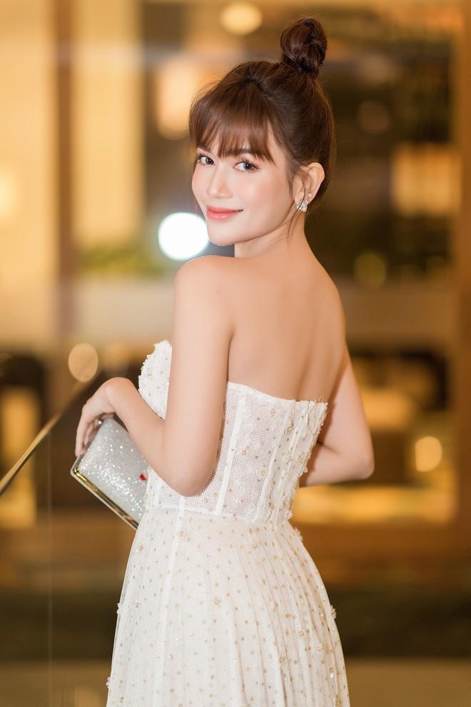 Sĩ Thanh - Huỳnh Phương diện tông trắng đồng điệu, lần đầu công khai lộ diện sau khi xác nhận chuyện hẹn hò - ảnh 6