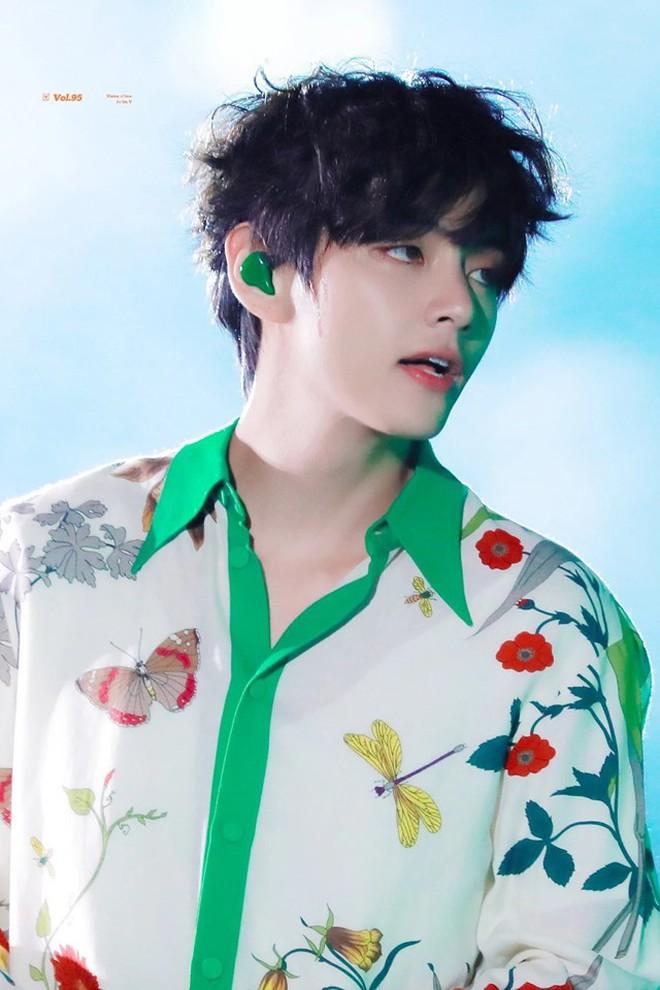 Đúng là mỹ nam có gương mặt đẹp trai nhất thế giới: V (BTS) đứng hát sương sương tại concert cũng được nonfan lùng sục, lên top trending toàn cầu - ảnh 3