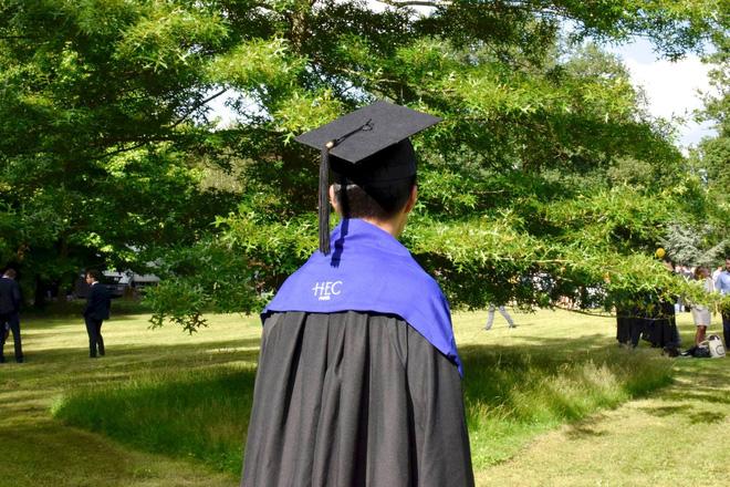 Nam sinh tốt nghiệp xuất sắc Đại học Ngoại thương chia sẻ bí quyết giành học bổng thạc sĩ, quá trình apply chỉ mất 2.5 tháng - ảnh 2