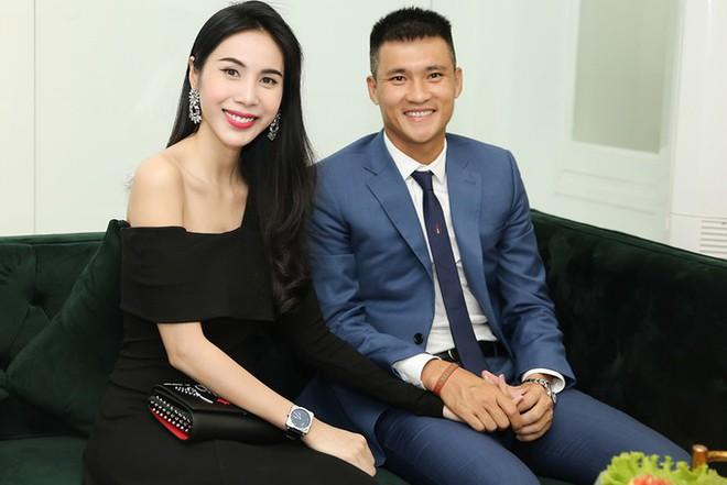 6 cặp đôi trai tài gái sắc của showbiz Việt: Đông Nhi là Á khoa, Ông Cao Thắng 12 năm học giỏi, Trấn Thành bị đuổi vì bận chạy show còn Hari luôn đứng đầu lớp - ảnh 14