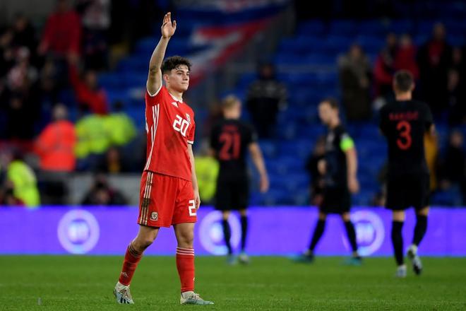 Sự thật bất ngờ đằng sau cảnh tượng hãi hùng khi ngôi sao tấn công sáng nhất MU bị đối thủ hạ knock-out ở vòng loại Euro 2020 - ảnh 3