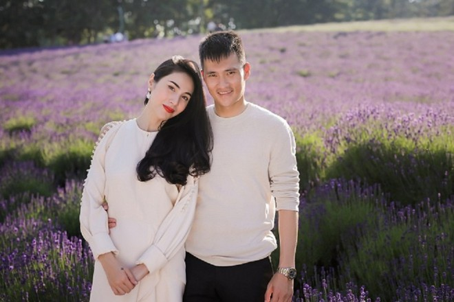 6 cặp đôi trai tài gái sắc của showbiz Việt: Đông Nhi là Á khoa, Ông Cao Thắng 12 năm học giỏi, Trấn Thành bị đuổi vì bận chạy show còn Hari luôn đứng đầu lớp - ảnh 12