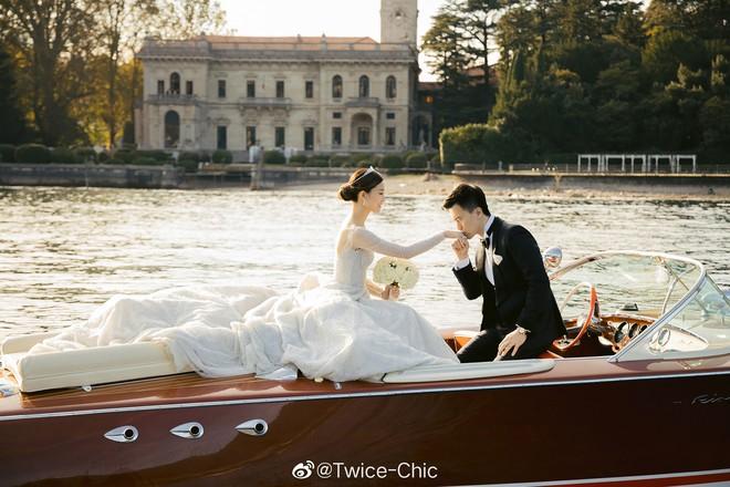Váy cưới của Văn Vịnh San trong hôn lễ với chồng đại gia: chiếc lộng lẫy xa hoa, chiếc siêu to khổng lồ với mức giá trên trời gây choáng - ảnh 10