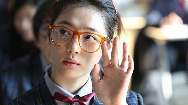 Chặng đường 14 năm diễn xuất của Sulli: Cục cưng được SM o bế hết mực nhưng vẫn bị netizen ném đá không tiếc lời - Ảnh 13.