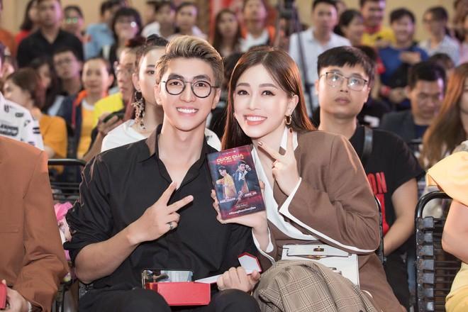 6 cặp đôi trai tài gái sắc của showbiz Việt: Đông Nhi là Á khoa, Ông Cao Thắng 12 năm học giỏi, Trấn Thành bị đuổi vì bận chạy show còn Hari luôn đứng đầu lớp - ảnh 18