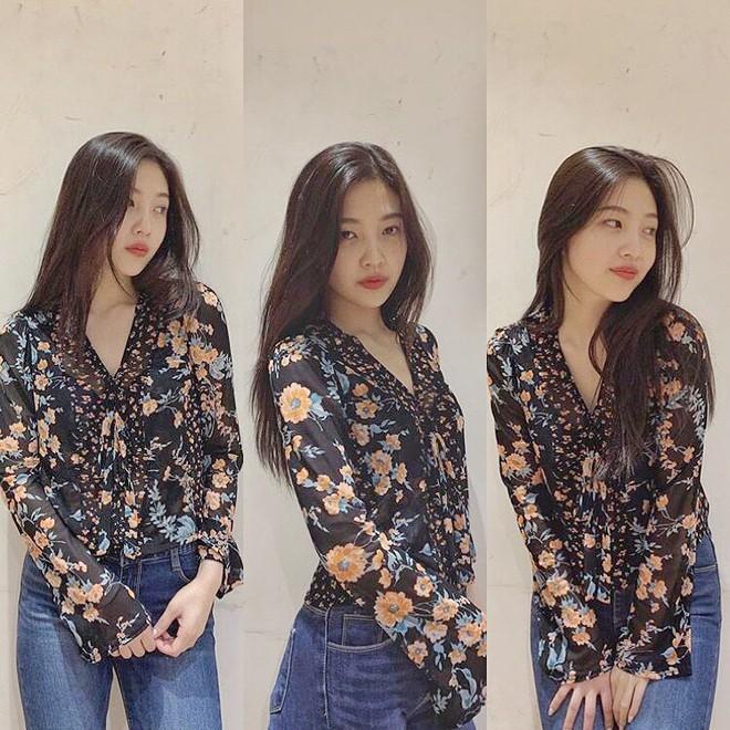 Mix đồ không sến súa thì cũng già nua, stylist Red Velvet khiến fan phải kêu oan thay cho idol - ảnh 4