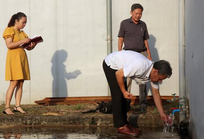 Nước sạch sông Đà bốc mùi lạ: Vẫn chưa rõ nguyên nhân - ảnh 2
