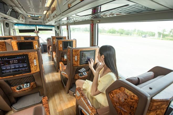 GrabBus chính thức được triển khai thử nghiệm ở Sài Gòn, bắt đầu cạnh tranh trực tiếp với xe buýt truyền thống - ảnh 1