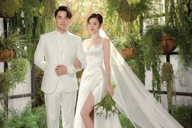 Lộ diện 6 chiếc váy cưới của Đông Nhi, chưa hết trầm trồ về độ lộng lẫy đã phải choáng khi biết cô chơi tới 10 bộ cả thảy - Ảnh 2.
