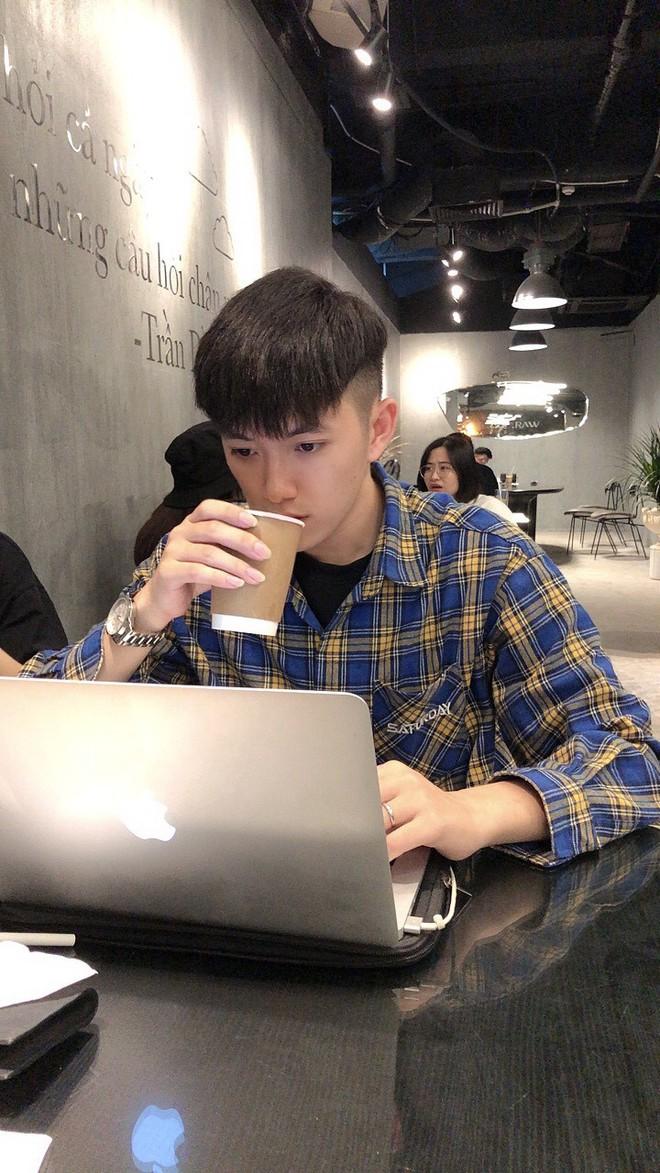 Thầy giáo tiếng Trung siêu cấp điển trai như oppa Hàn Quốc khiến hội chị em phát cuồng: Thông thạo 3 ngôn ngữ, start-up từ khi mới năm hai - ảnh 3