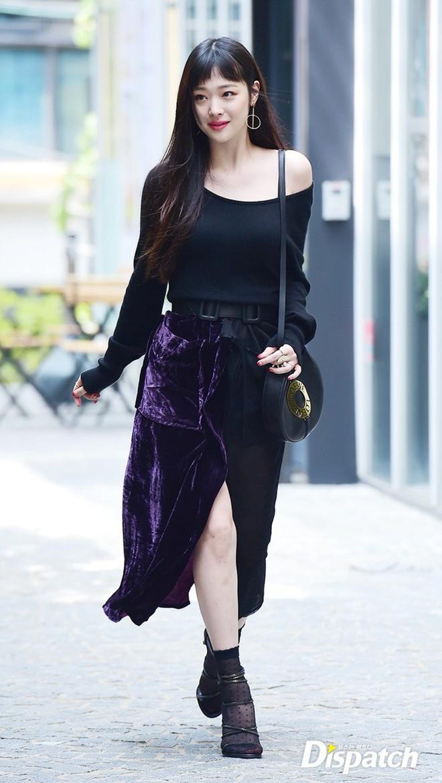 Đừng chỉ nhắc về Sulli với phong cách thời trang nổi loạn bởi cô có rất nhiều lần mặc đẹp khiến dân tình muốn lịm người - ảnh 13
