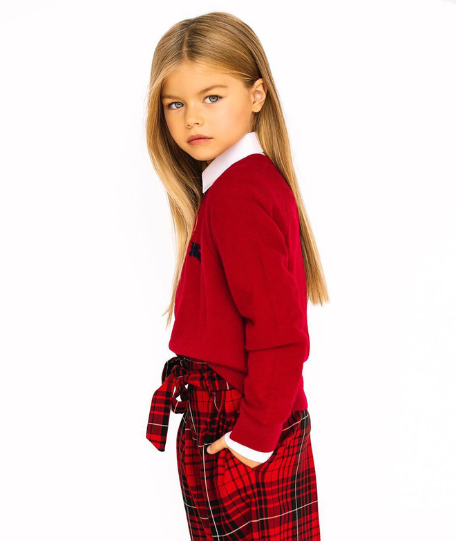 Mới 6 tuổi đã xinh như thiên thần, vừa đáng yêu vừa quyến rũ, bé gái được dân mạng tung hô là người mẫu nhí đẹp nhất thế giới - ảnh 9