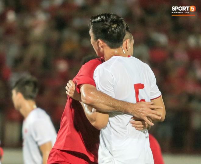 Quang Hải bị kéo cổ nguy hiểm, Đức Huy nắn gân Messi Indonesia trong chiến thắng của tuyển Việt Nam - ảnh 5