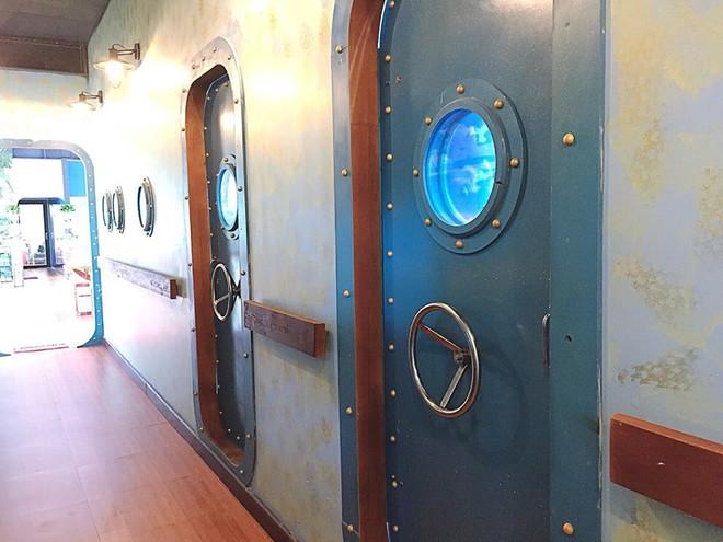 Mô phỏng nguyên một con tàu, nhân viên toàn thuỷ thủ đẹp trai, canteen ĐH Hàng Hải khiến ai nhìn cũng phát ghen - ảnh 9