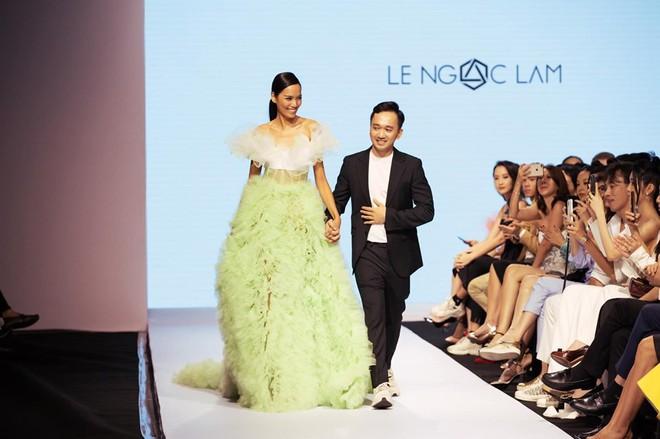 Bị chê catwalk tệ, Thúy Vân vẫn đắt show hơn Hương Ly tại Hoa hậu Hoàn vũ VN - ảnh 8