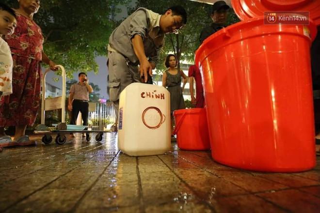 """Khổ như dân Hà Nội giữa """"tâm bão"""" ô nhiễm: """"Thanh Xuân"""" có bao lâu mà hết thủy ngân rồi nước nhiễm độc! - ảnh 16"""