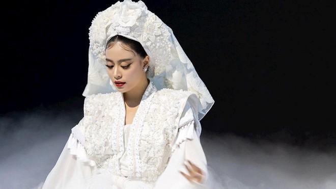 Sau 2 MV ấn tượng chỉ trong một mùa hè, Hoàng Thùy Linh tiếp tục gây sốc nhá hàng hẳn album vol 3 ra mắt vào ngày phụ nữ Việt Nam! - ảnh 3